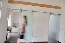 wohnideen fr kleine rume wohnideen schiebetüren ideal für lofts und kleine räume