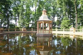 Summer Garden St Petersburg Russia - best price st petersburg tour