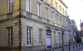 chambre de commerce alencon 2000 euros de dommages et intérêts pour l ancien directeur de la cci