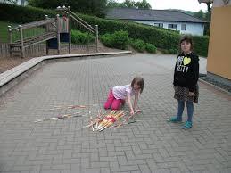 Flohmarkt Bad Wildungen Grundschule Helenental Spiele Für Drinnen Und Draußen