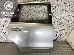06 13 nissan note driver off side front door black paint code z11