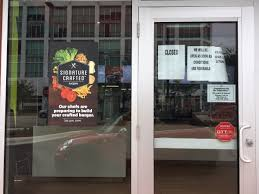is dominos open on thanksgiving miami restaurant chains that are open or closed for hurricane