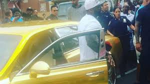 gold bentley 50 cents pulls up flossin u0027 in a gold bentley mulsanne u0027once i u0027m on