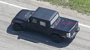 jeep truck spy photos jeep wrangler pickup spy photos reveal production truck bed autoblog