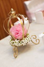 Ideas For Centerpieces For Birthday Party by Best 25 Crown Centerpiece Ideas That You Will Like On Pinterest