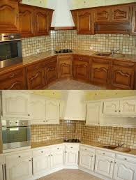 repeindre une cuisine en chene vernis repeindre meuble cuisine chene racnovation cuisine la peinture