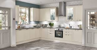 howdens kitchen design the shaker collection shaker style kitchen designs howdens joinery