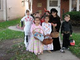 halloween city glendale heights il have fun trick or treating this halloween in the chicago suburbs