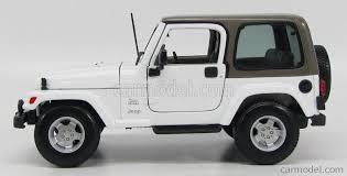 white jeep sahara 2 door maisto 31662w scale 1 18 jeep wrangler sahara hard top 2 door 2012