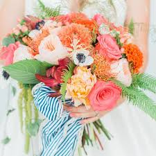 flower bouquet for wedding how to preserve your wedding bouquet weddingwire