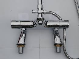 thermostatic bath shower mixer set deck mounted taps dual thermostatic bath shower mixer set deck mounted taps dual function round style rigid riser shower set 057ud 355 013a amazon co uk diy tools