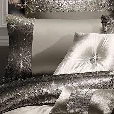 kylie minogue mila luxury bedding praline throw amazon co uk