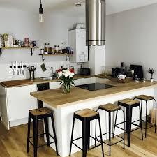 conseils cuisine ma cuisine blanche scandinave carrelage métro bois tabouret à noir