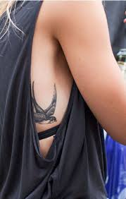 sparrow tattoo on shoulder meaning sparrow sparrow tattoo has beautiful meanings of true love