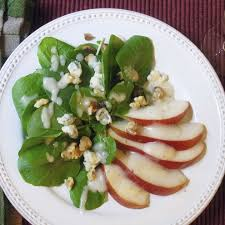 serve green salad with pear dressing for thanksgiving food