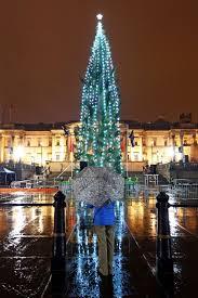 magic of christmas arrives as london u0027s trafalgar square tree is