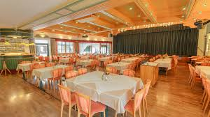 Wedding Roll Out Carpet Restaurant In Maria Alm At The Hotel Niederreiter