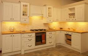 backsplash kitchen tile under cabinets kitchen tiles under