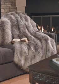 plaid marron pour canape fausse fourrure confort et style l fair