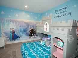 chambre reine des neiges déco chambre enfant sur le thème de la reine des neiges peinture