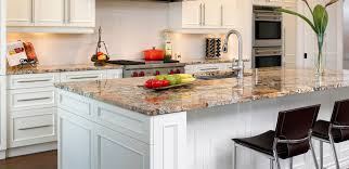 table de cuisine sur mesure plan de travail en granit cuisine sur mesures