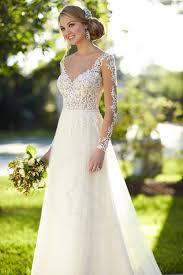 robe de mariã e dentelle dos robe de mariée en tulle et dentelle à col v de dos nu fr2norha