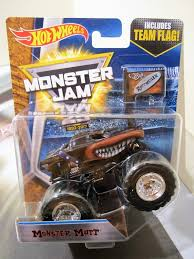 monster mutt monster truck videos amazon com wheels monster jam truck 1 64 new 25 year team