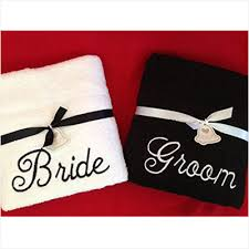 wedding gift towels 10 different bridal shower gift ideas ten gift ideas
