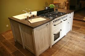 acheter ilot de cuisine ilot de cuisine en mélèze et plan de travail en résine minérale
