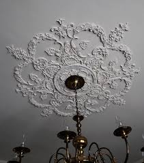 What Size Ceiling Medallion For Chandelier Best 25 Victorian Ceiling Medallions Ideas On Pinterest Ceiling