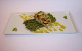 cuisiner filet de julienne recette filet de julienne en croute d amandes asperges vertes