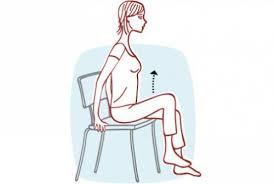 sur chaise gymnastique sur chaise