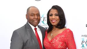 barbi benton family omarosa weds florida pastor at trump hotel pret a reporter