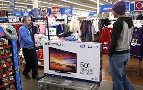 u s black friday shopping marked by thinner crowds protests