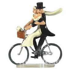 bicycle cake topper the beloved bicycle wedding cake topper is back fancy flours