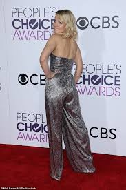 How Wide Is A Roll Of Carpet by Kristen Bell Stuns On The People U0027s Choice Red Carpet Daily Mail