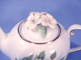 royale stratford woodland primroses bone china ornamental tea pot