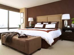 outstanding bedroom design with brown accent wall color and drum