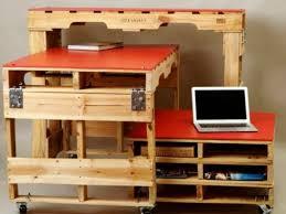 fabriquer un bureau avec des palettes diy meuble en palette à faire soi même un bureau design original