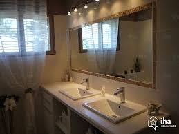 salle de bain provencale location maison à rochefort du gard iha 62036