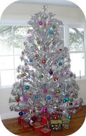 how to decorate an aluminum tree images