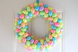 how to make easter wreaths easter egg wreath a diy project subscription box ramblings