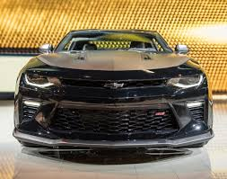mustang gt curb weight chevrolet favored 2017 camaro ss 1le vs mustang gt alarming 2017