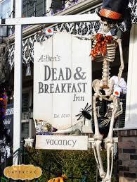Halloween Outdoor Yard Decorations by Best 25 Halloween Yard Displays Ideas On Pinterest Sleepy