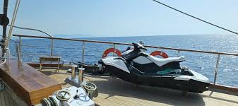 3 things you have to know about jet ski rentals on a gulet