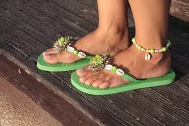 seashell flip flops hey i found this really awesome etsy listing at https www etsy