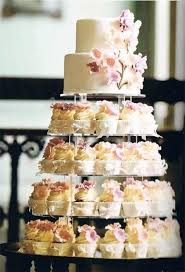 wedding cake cupcakes wedding cake and cupcake combinations vintage style cupcake
