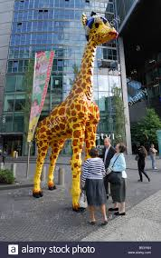 giant giraffe stock photos u0026 giant giraffe stock images alamy