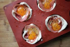 cuisiner oeufs des œufs en cocotte de de mie pour le brunch