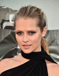 teresa palmer and alexander dipersia talk lights out blackfilm